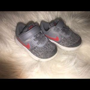 Nike baby boy sneakers 5c